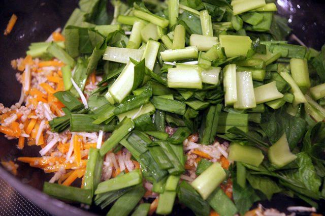 キットオイシックス(kit oisix)のミールキット「ジューシーそぼろと野菜のビビンバ」葉物は最後
