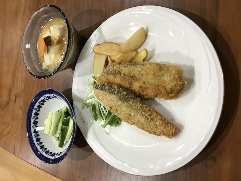 ヨシケイ夕食ネットキットde楽秋鮭のチーズソテー2人用1人前正面
