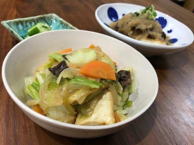 ヨシケイ夕食ネット日替白身魚となすのおろし煮3人前メニュー1人前完成サイドメニューから見た光景