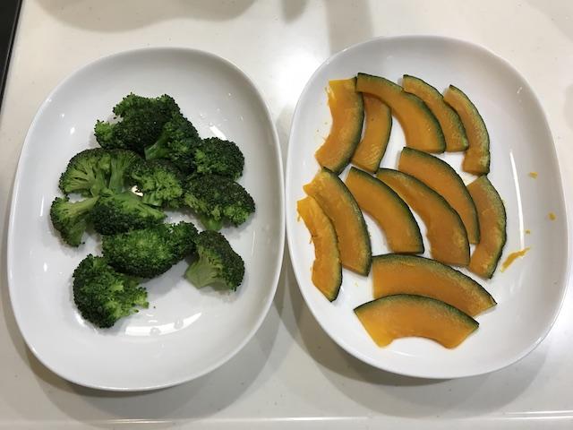 大地を守る会お試しセット主菜と副菜が20分で作れるおやさいdeli kiy(3人前)緑黄色野菜の甘酢ソース調理中風景