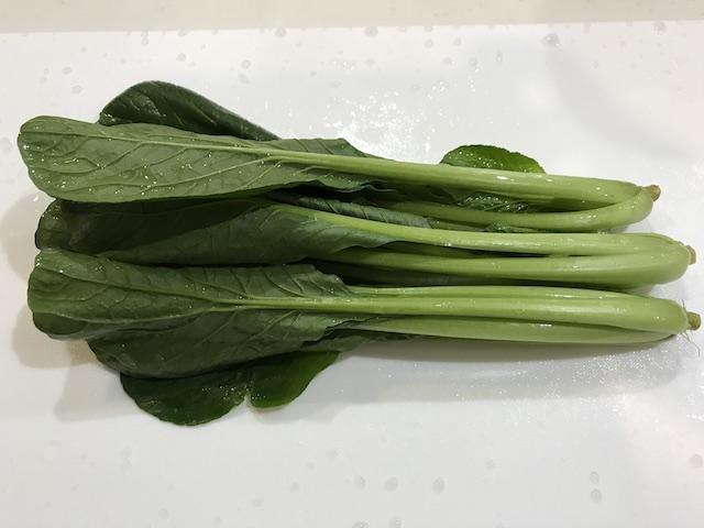 大地を守る会お試しセット野菜果物7品小松菜調理前