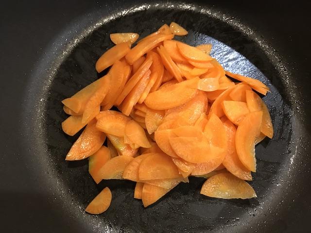 大地を守る会お試しセット野菜果物7品きんぴら調理写真