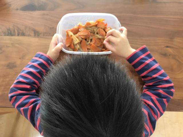 大地を守る会お試しセット野菜果物7品人参れんこん調理きんぴらつまみ食い写真