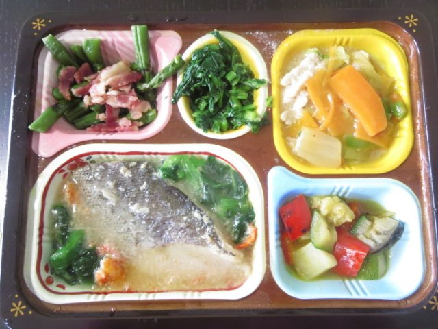 食宅便 低糖質セレクト 鱈のカニあん 豚肉と野菜の旨煮