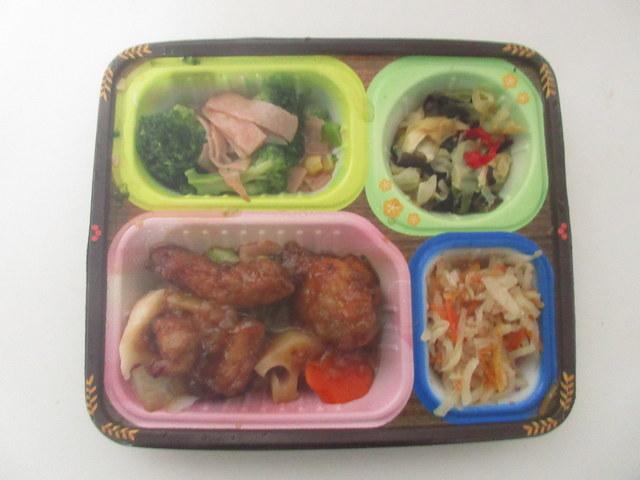 スギサポ 宅配弁当 鶏唐揚げと野菜の黒酢あんかけ